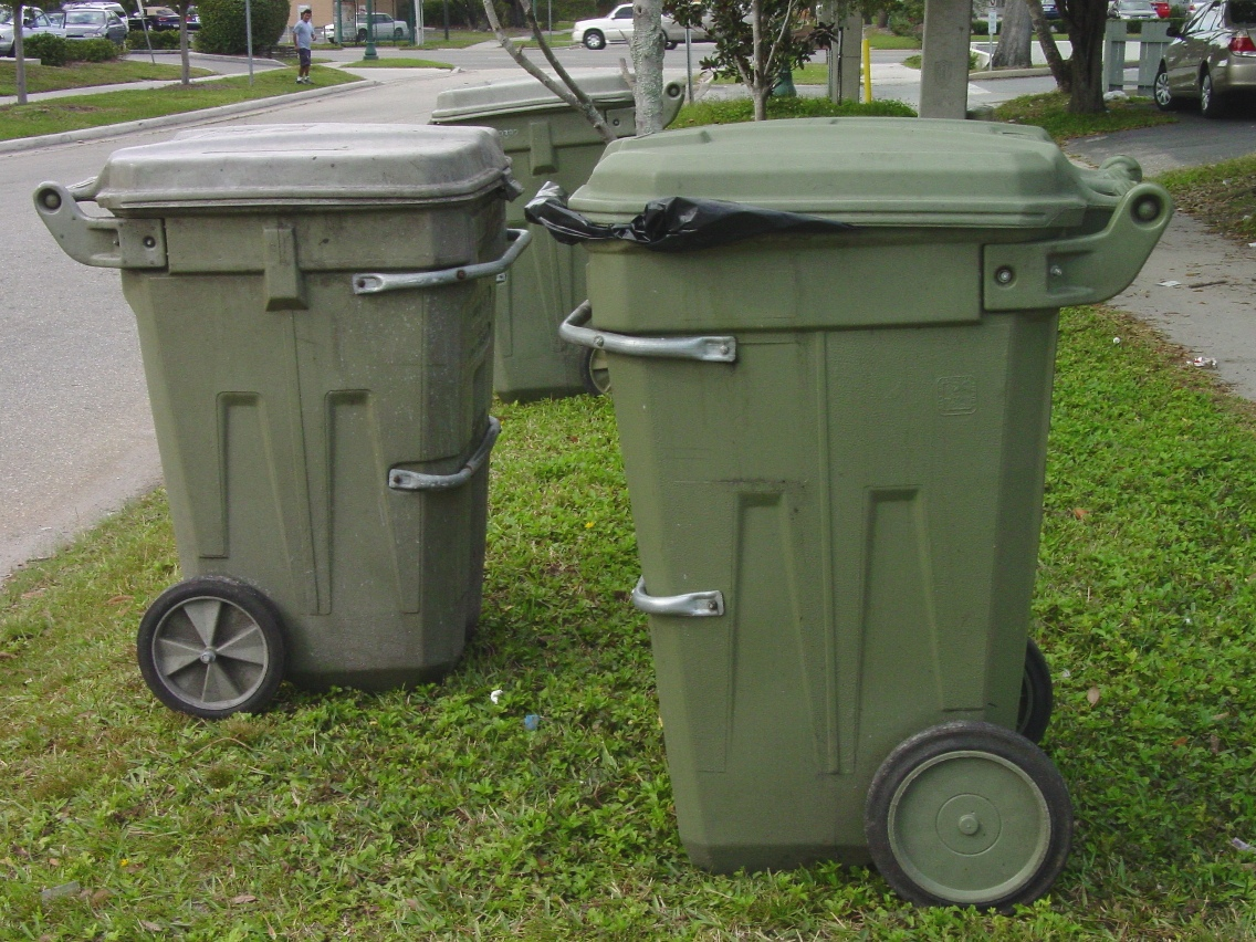 3 Trash Cans